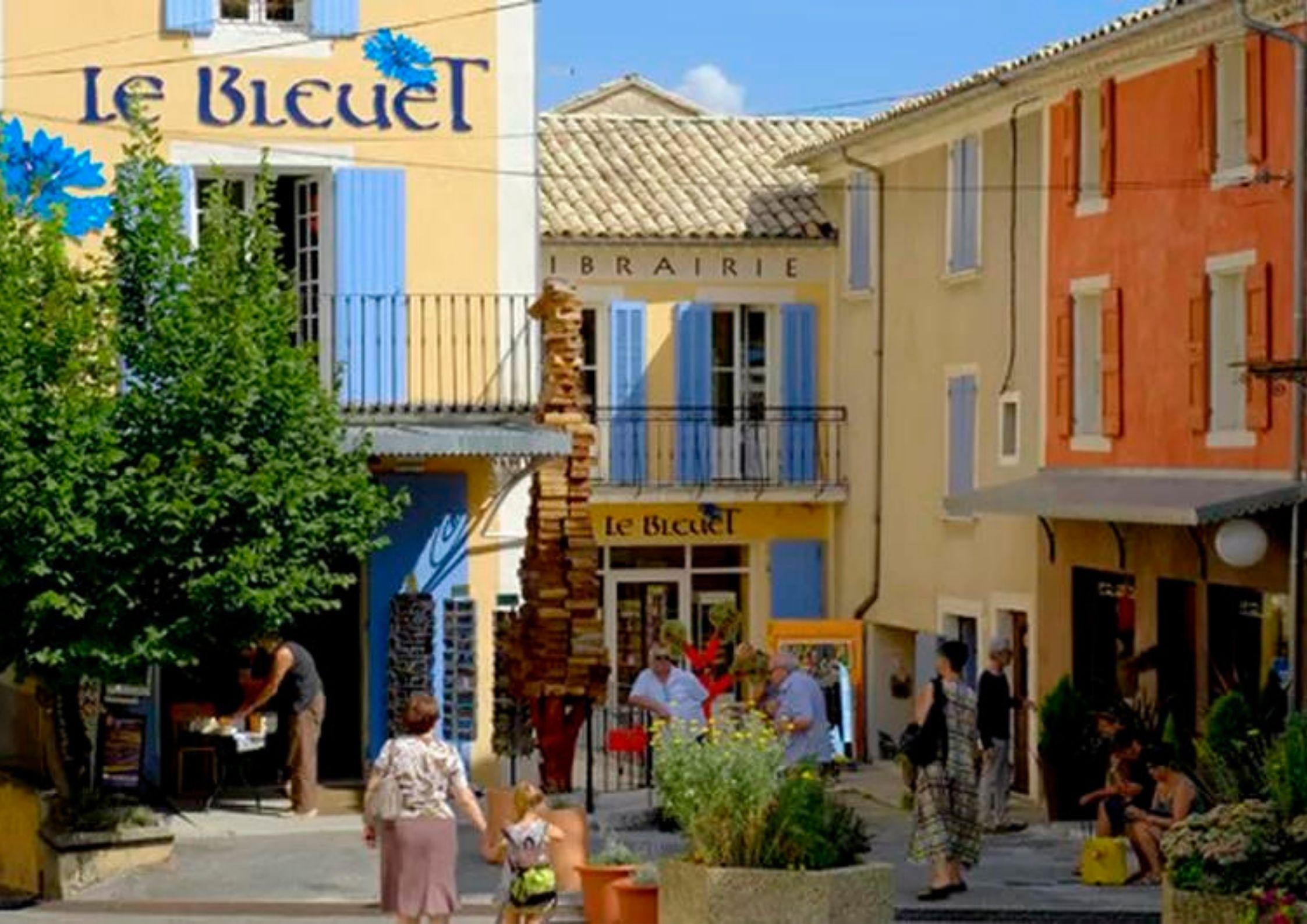 Le Bleuet librairie indépendante à Banon